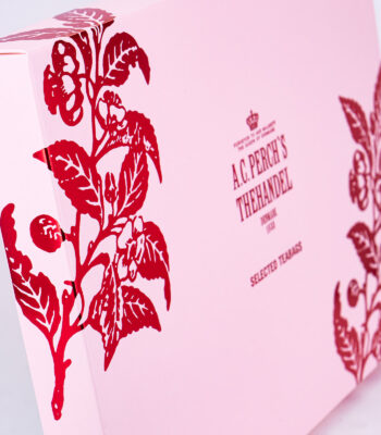 Pink gift box with teabags